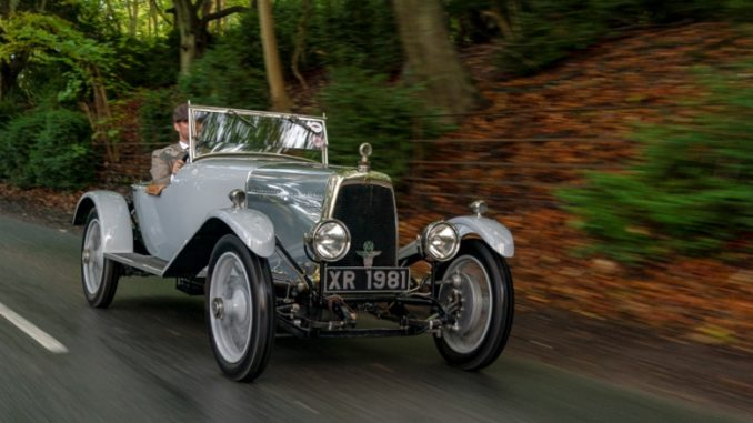 Rare and Historic Aston Martin Known as Cloverleaf Runs up Aston Hill to Celebrate the Sports Car's 95th (┬®Photo, Max Earey)