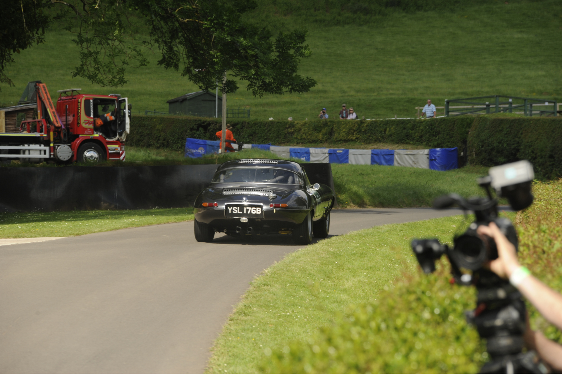 E-type-60-Saturday-photo-by-Abigail-Humphries-139