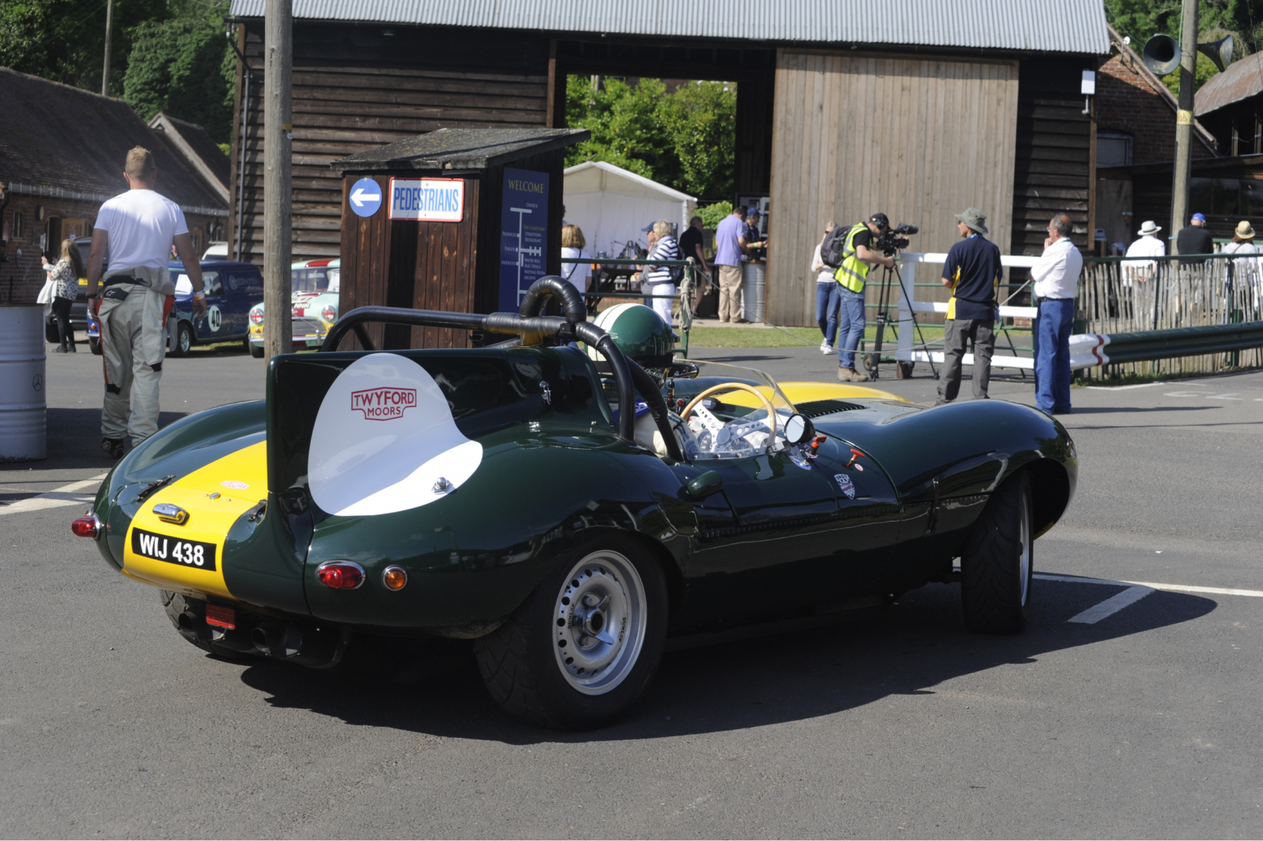E-type-60-Saturday-photo-by-Abigail-Humphries-76