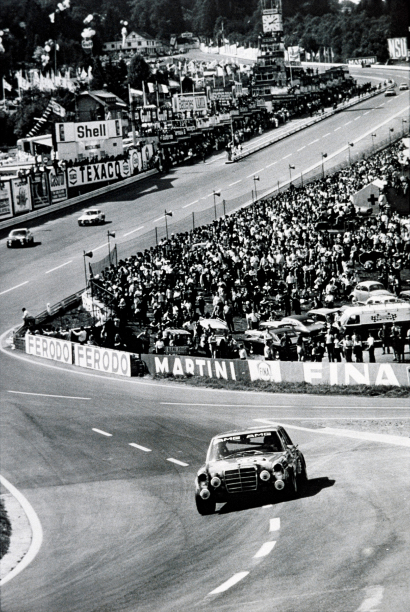 AMG 300 SEL 6.8 racing touring car based on the Mercedes-Benz 300 SEL 6.3 (W 109) luxury saloon. At the 24-hour race in Spa-Francorchamps in 1971, Hans Heyer and Clemens Schickentanz attained second place overall, causing a sensation. Photo from training. Schickentanz qualified with the fifth-fastest time for starting spot 5.